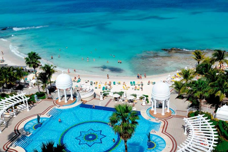 piscina-2-riu-palace-las-americas-2016_tcm55-157130