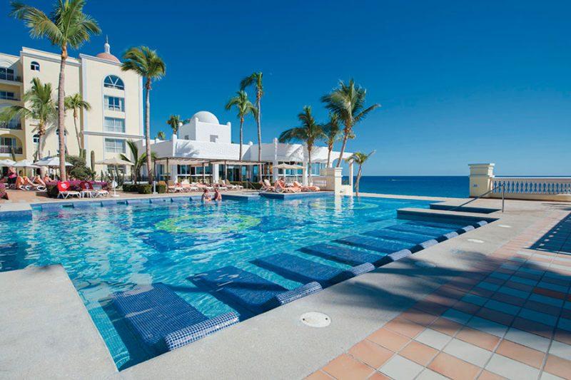piscina-3-hotel-riu-palace-cabo-san-lucas_tcm55-169380