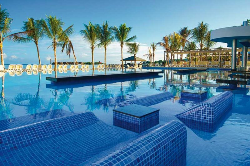 piscina-hotel-riu-reggae-2_tcm55-169060