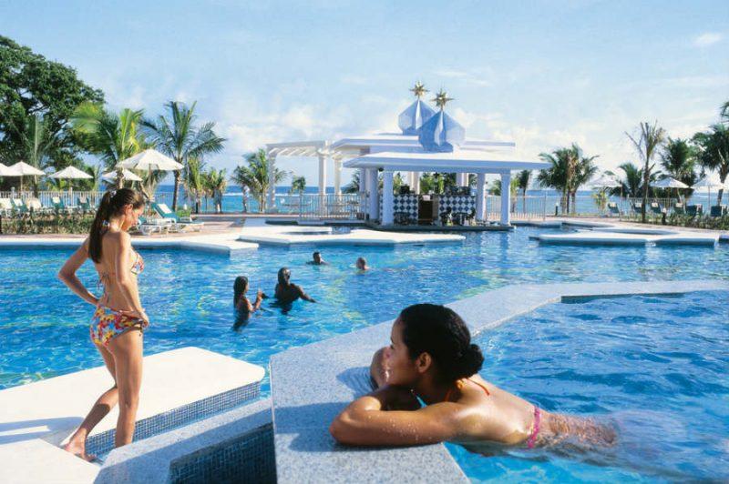 piscina-pool-02_tcm55-42882