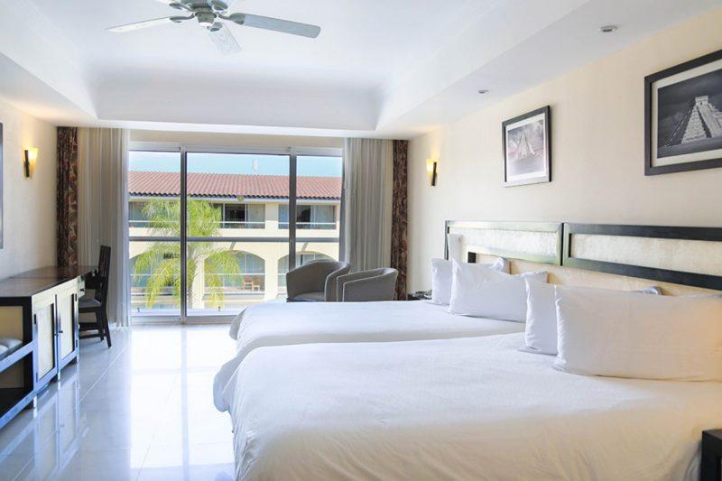 Sandos_Playacar_Room_Riviera_JrSuite_13