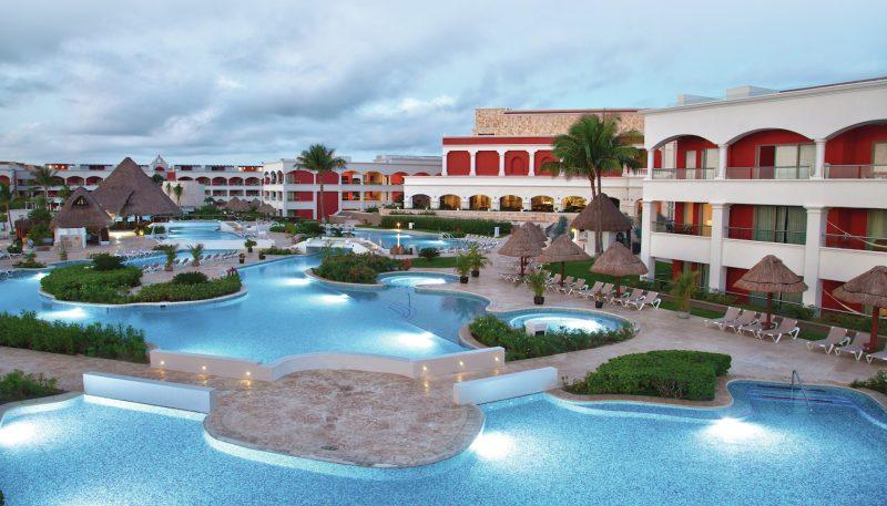 Hacienda-Pool-Aerial@1x
