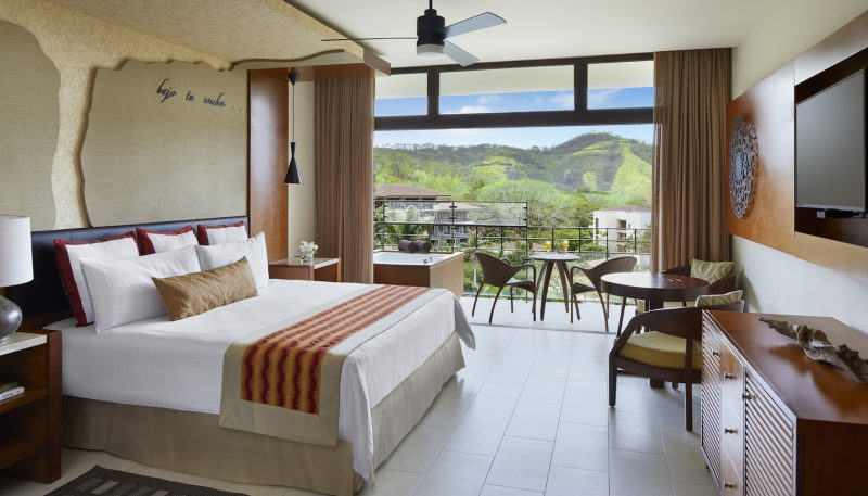 Junior_Suite_Mountain_Jungle_View_King