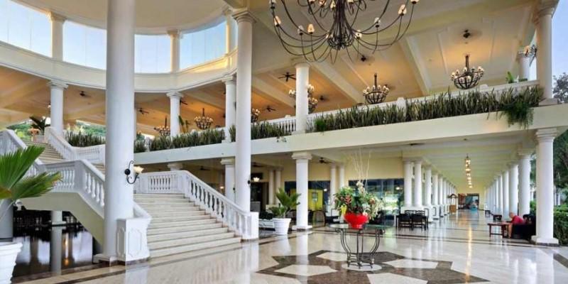 Grand Palladium Jamaica Lobby