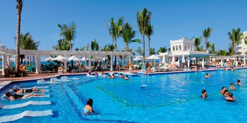 pool-riu-palace-pacifico_tcm55-228155